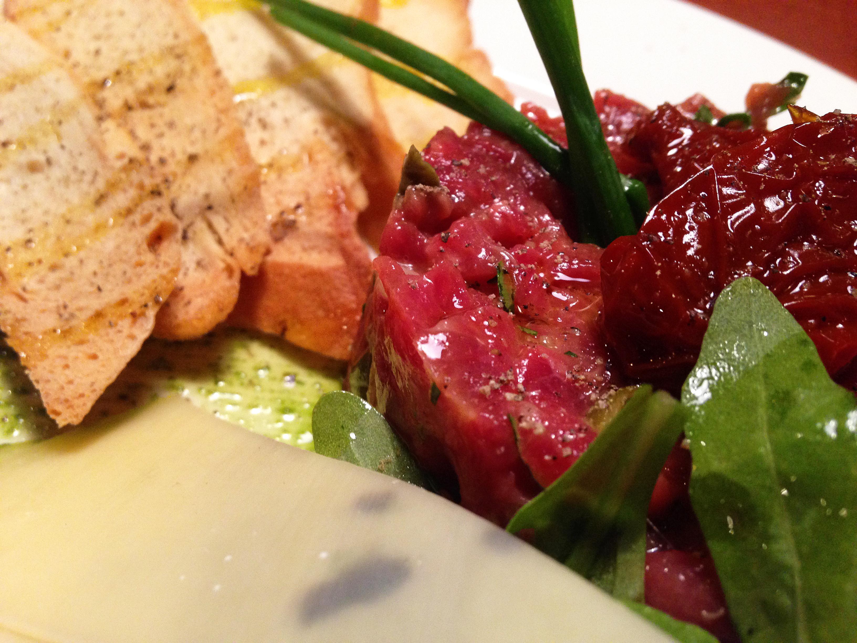 Ресторан Бельгийская брассери 0,33 - Тартар из говяжьей вырезки